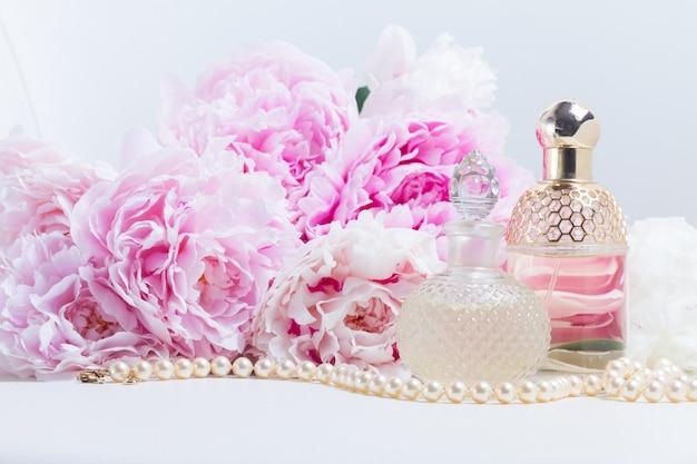 Peony essence flesjes met bloemen