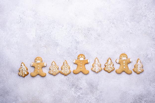 Peperkoek kerstkoekjes in gezichtsmaskers