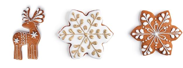 Peperkoekkoekjes op een witte ruimte