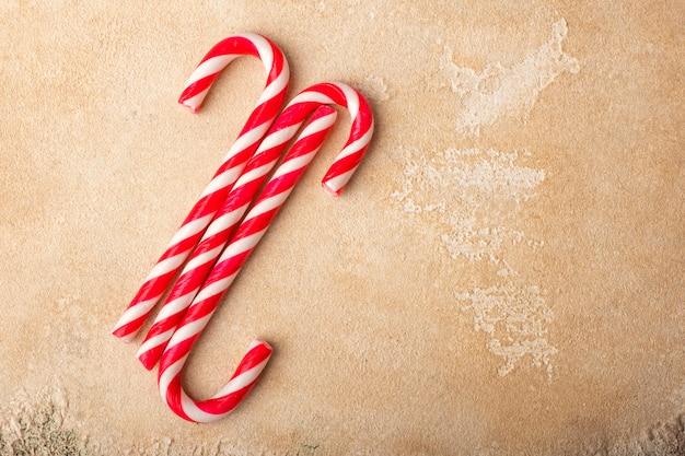 Pepermunt candy canes. kerstmis. kopieer ruimte