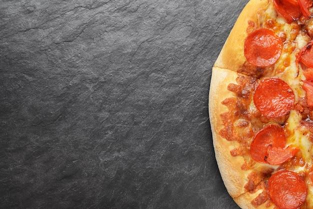 Pepperonipizza met exemplaarruimte