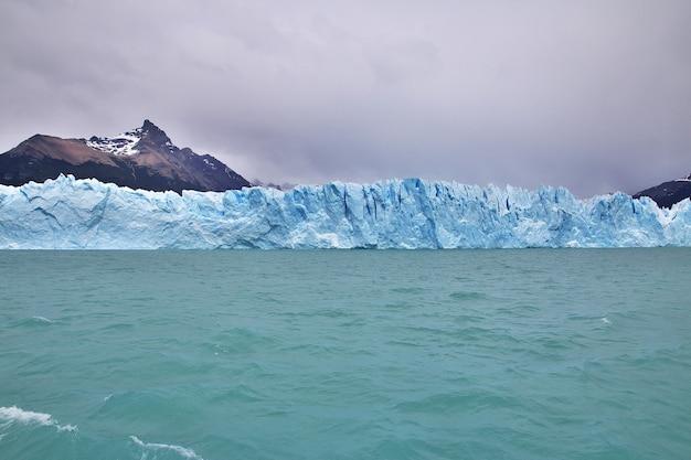 Perito moreno-gletsjer dichtbij el calafate in patagonië van argentinië
