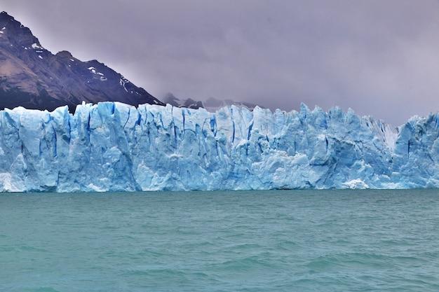 Perito moreno-gletsjer dichtbij el calafate patagonië argentinië