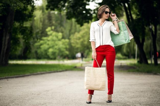 Persoon elegante tas witte meid levensstijl