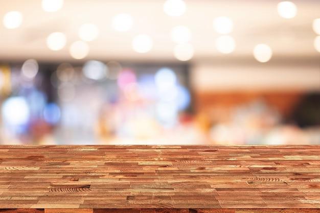 Perspectief houten tafel op de top