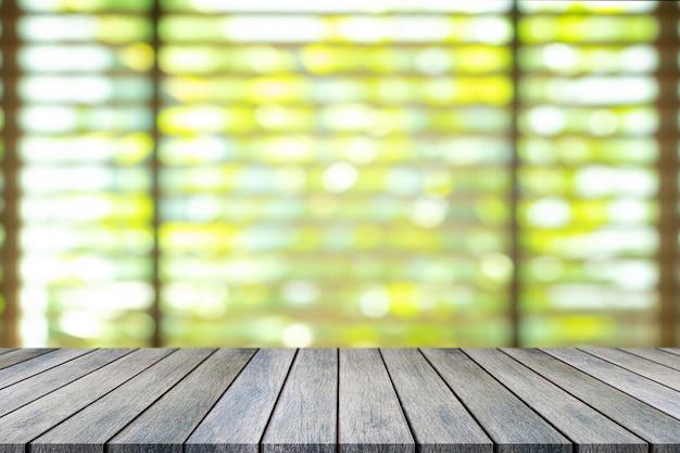 Perspectief lege houten tafel