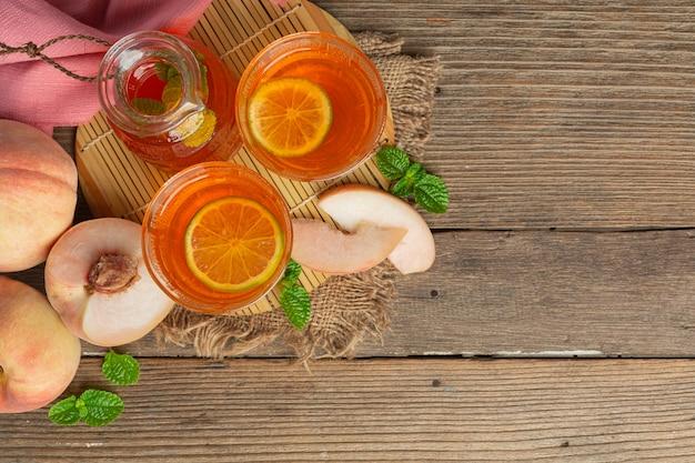 Perzik thee perzik eten en drinken voedsel voedingsconcept.