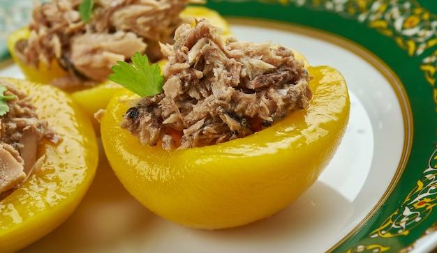 Perziken met tonijn, perziken gevuld met tonijn