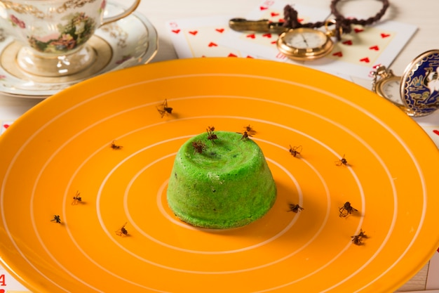 Petit gateau met groene sava mier.