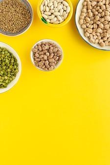 Peulvruchten, linzen, kikkererwten, bonen, groene linzen