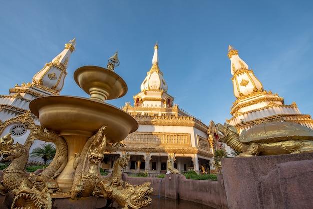Phra maha chedi chai mongkol-tempel, openbare en beroemde tempel, roi et thailand