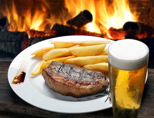 Picanha steak met friet en bier