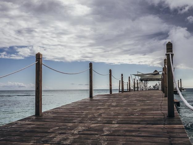 Pier op het strand