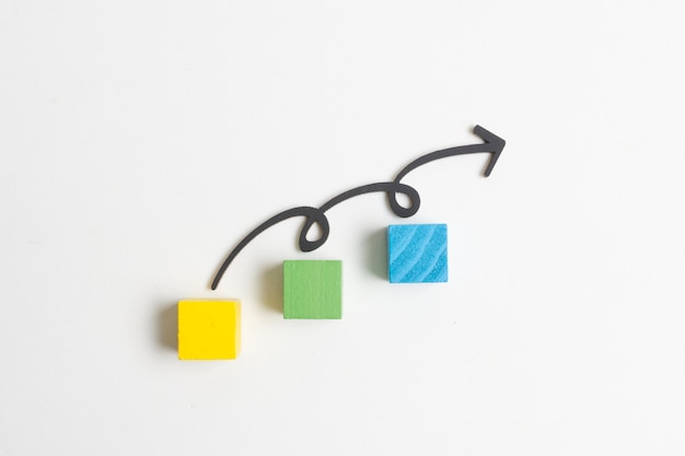 Pijl en stappen op kubussen