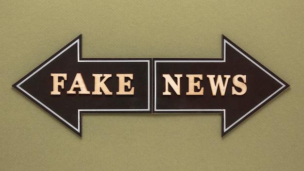 Pijlen die vals nieuwsbericht vormen