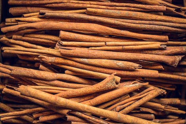 Pijpjes kaneelstokjes chinees kruid van houtschors