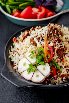 Pilaf met vlees en groenten