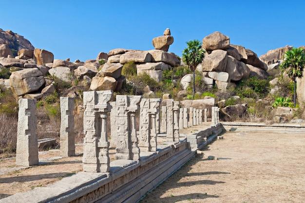 Pilaren van de tempel
