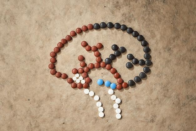 Pillen in de vorm van hersenen