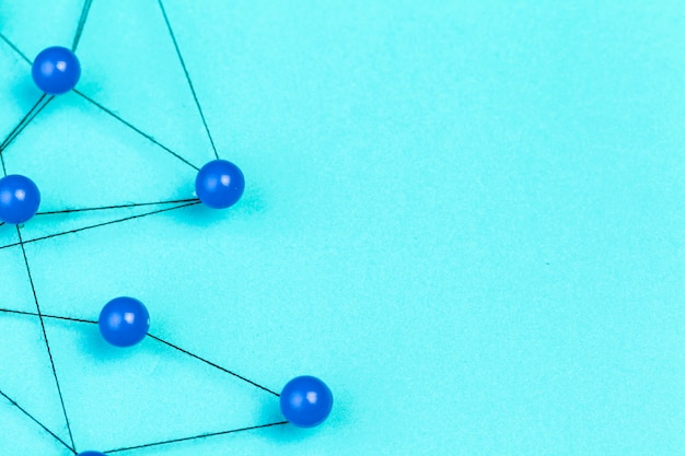 Pinnen verbonden om een netwerk te creëren