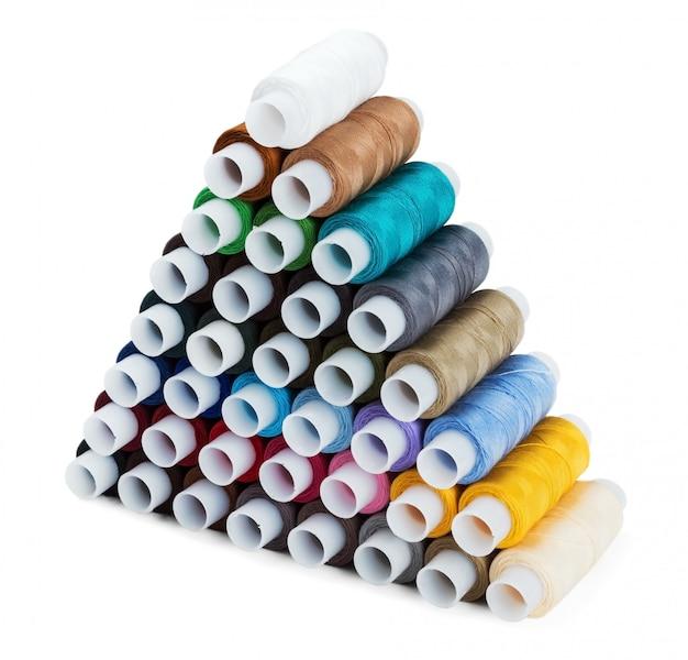 Piramide van het naaien multi gekleurde draad