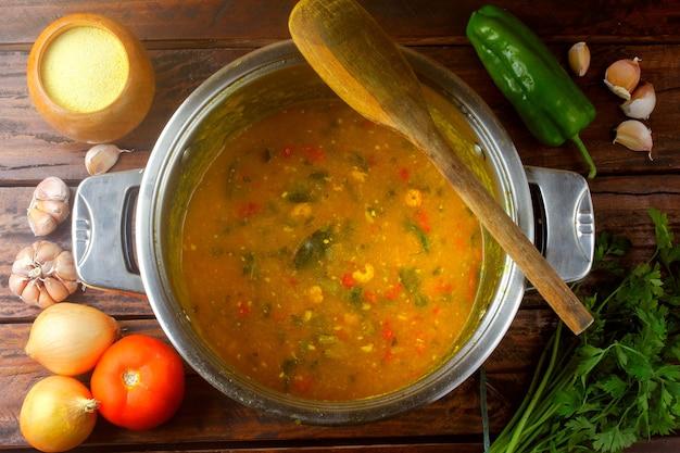 Pirao is een traditioneel gerecht uit de braziliaanse keuken
