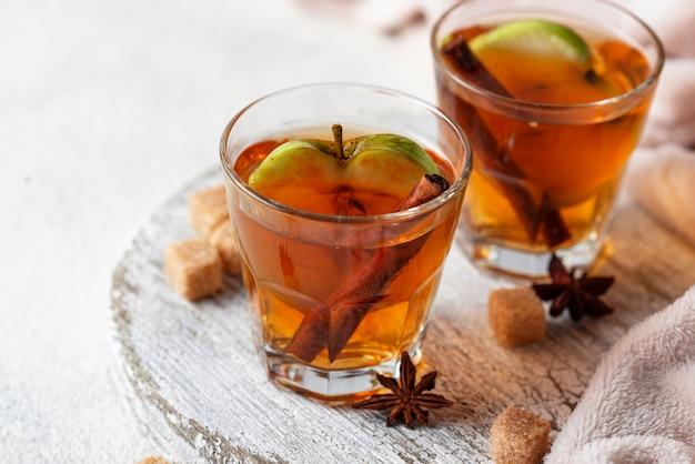 Pittige appelcider, herfstdrank