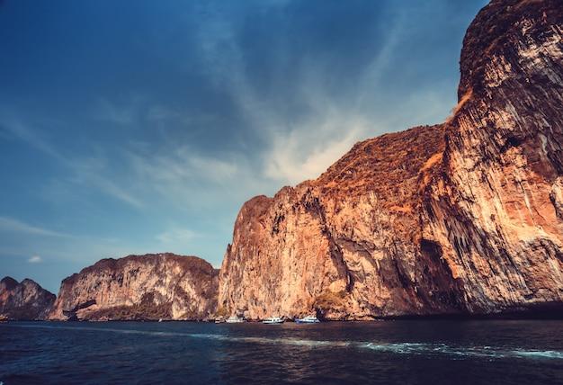 Pittoresk zee landschap.