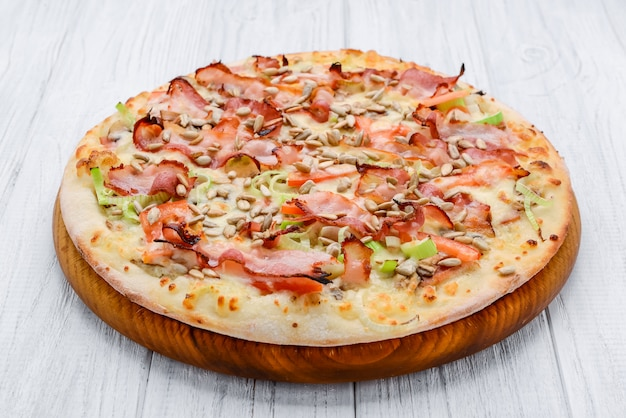 Pizza carbonara met spek