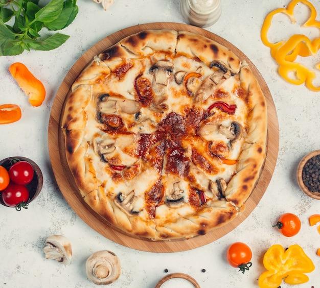 Pizza met champignons