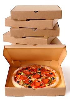 Pizza met leveringsdoos