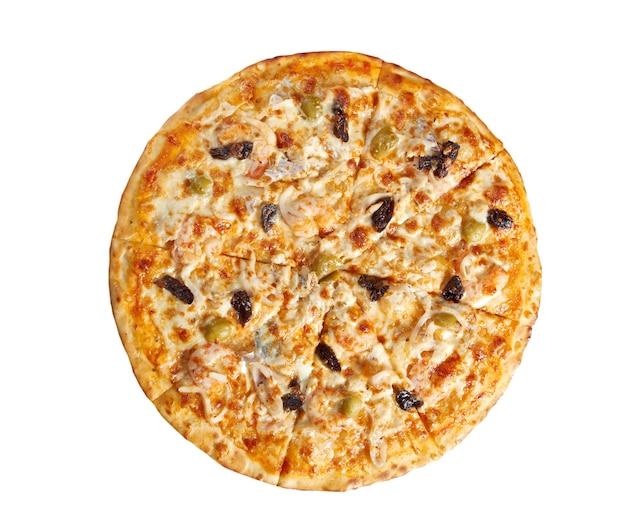 Pizza met zeevruchten. italiaanse keuken. studio. geïsoleerd op witte achtergrond. uitknippad