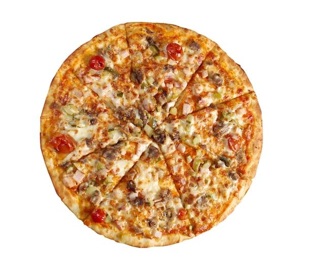 Pizza oost met tomaat. italiaanse keuken. studio