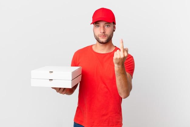 Pizzabezorger voelt zich boos, geïrriteerd, opstandig en agressief