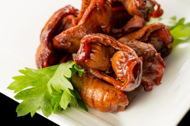 Plaat van stukken vlees