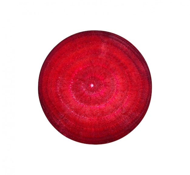 Plak van rode biet die op witte achtergrond wordt geïsoleerd
