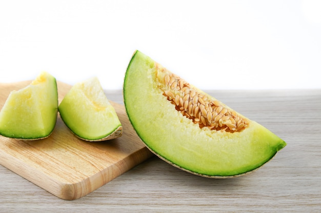 Plakje japanse meloenen of meloen op hout