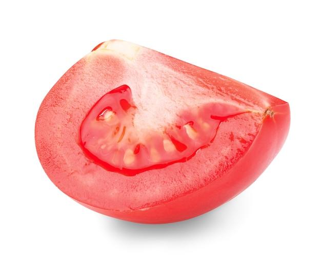 Plakje tomaat op witte achtergrond