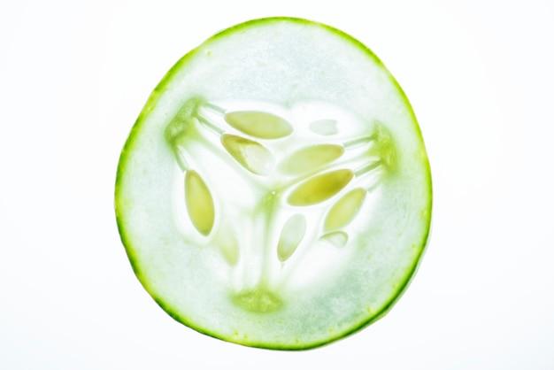 Plakje versgesneden komkommer