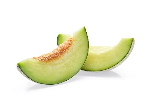 Plakjes meloen geïsoleerd op wit.