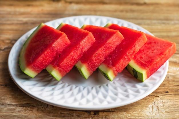 Plakjes verse rijpe watermeloen