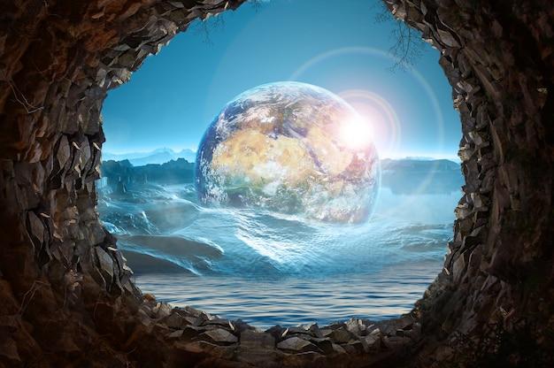 Planeet aarde en zee kijken uit in grot