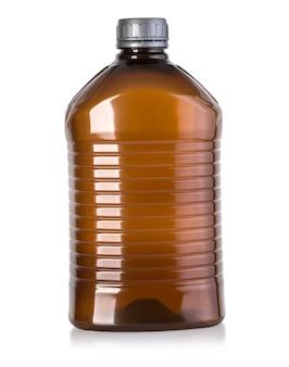 Plastic fles geïsoleerd op de witte achtergrond met uitknippad