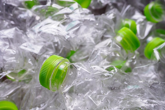 Plastic flessen recyclen achtergrondconcept