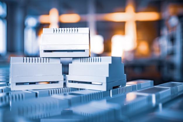 Plastic koffers voor de productie van seriële elektronische producten