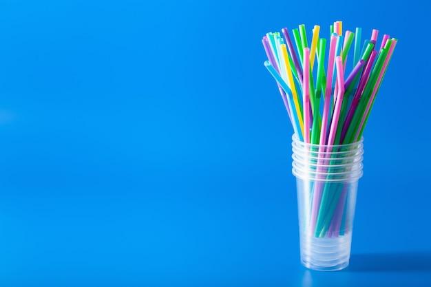 Plastic rietjes voor eenmalig gebruik