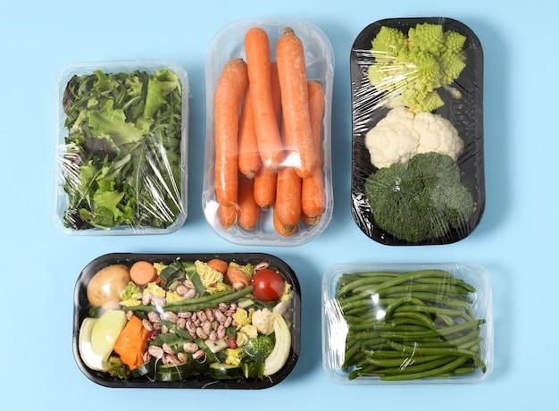 Plastic verpakkingen met groenten