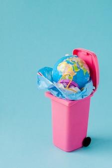 Plastic vervuiling van de natuur concept