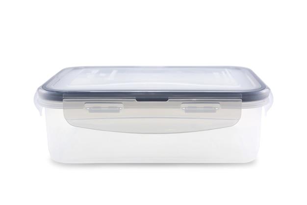 Plastic voedseldoos die op witte achtergrond wordt geïsoleerd. uitknippad.