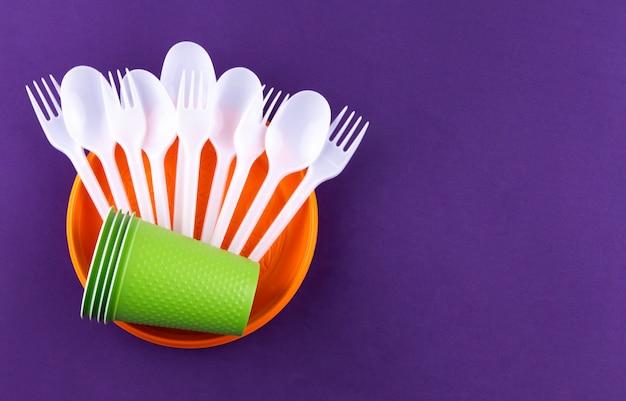 Plastic voorwerpen voor eenmalig gebruik, ecologische vervuiling